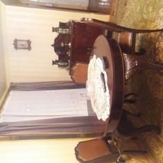 Mobila sufragerie 1900 an, si canapea 3+2+1 lemn masiv catifea velur