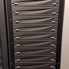 Cabinet Rack Server EMC 40U T-Rack1, 2 X PDU EMC 100-885-137, Gri Metalic, Refurbished - Cabinet metalic
