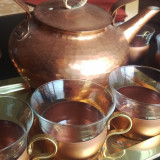 Set cafea ceai Ceainic cu 6 cescute  cupru si sticla cu maner alama