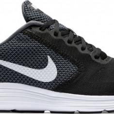 Pantofi sport barbati Nike Revolution 3 819300-001