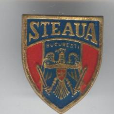 Fotbal Club STEAUA BUCURESTI - Insigna veche email Romania