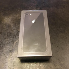 IPhone 8 64GB Space Grey SIGILAT, neverlocked, Garantie Apple 12 luni - 2999 RON ! - Telefon iPhone Apple, Gri, Neblocat
