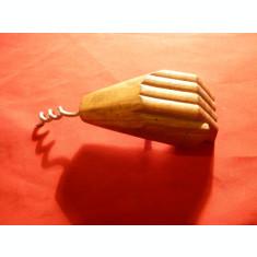 Tirbuson  si desfacator capace- Mana sculptata in lemn , h= 12 cm