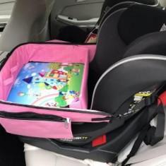 Tavita de copii pentru masina KIDSMARTER. Perfecta pentru joaca, mancare, desen, cand sunteti pe drum.