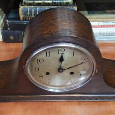 Ceas de semineu cu pendul Haller