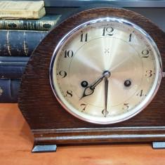 Ceas de semineu cu pendul Foreign – Hau Hac