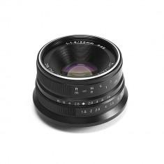 Obiectiv manual 7Artisans 25mm F1.8 negru pentru Olympus si Panasonic MFT M4/3-mount - Obiectiv DSLR