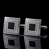 Butoni metalici forma patrata argintii  + ambalaj cadou