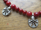 Colier  garoafa otomana - portelan si zamac argintat mat si antichizat