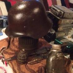 Casca militara germana si alte efecte soldat ww2 - Metal/Fonta