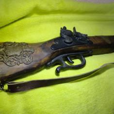 Pusca(pistol, flinta haiduceasca, arma) de panoplie