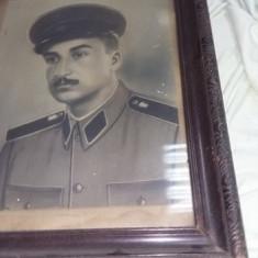 Tablou vechi cu rama lemn originala,tablou fotografie Militar cu cascheta,T.GRAT