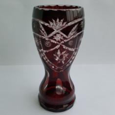 VAZA VECHE CRISTAL ROSU RUBIN - PERIOADA COMUNISTA - Vaza sticla