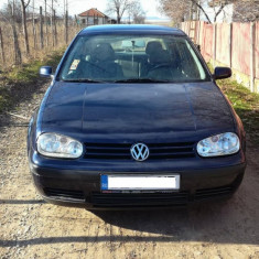 De vanzare Golf 4 Edition, An Fabricatie: 2000, Benzina, 300500 km, 1598 cmc