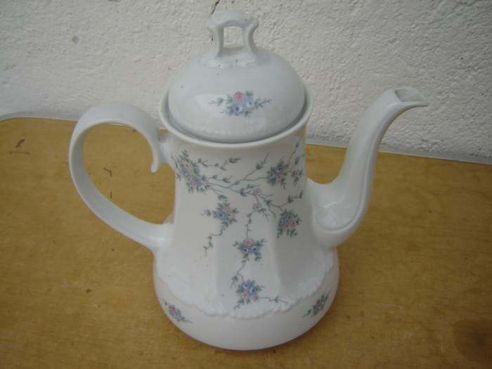 Superb ceainic din portelan 2