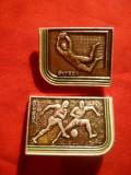 2 Insigne tematica Fotbal URSS , metal , L= 3,3 cm
