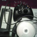 Vând Xbox 360 Microsoft MODAT, PREȚ NEGOCIABIL.