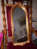 Superbă oglinda antica in stil francez,rama structura din lemn