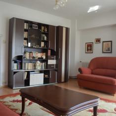 Inchiriez apartament 2 camere - b-dul Ferdinand (gara), Etajul 8