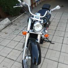 Honda VT 750 C Shadow - Motocicleta