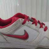 Nike marimea 37.5, lungime talpic 23.5 cm - Adidasi dama Nike, Culoare: Din imagine