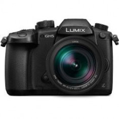 Kit Panasonic Lumix DC-GH5 Mirrorless Micro Four Thirds Digital Camera cu obiectiv 12-60mm f/2.8-4 ASPH. POWER O.I.S.
