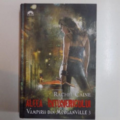 ALEEA INTUNERICULUI , VAMPIRII DIN MORGANVILLE 3 de RACHEL CAINE 2011