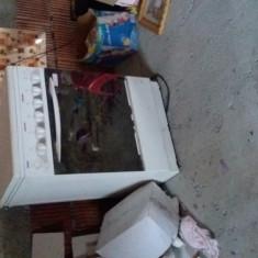 Aragaz Zanussi pe gaz