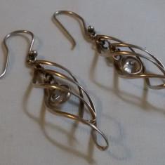 CERCEI argint tip LACRIMA superbi VECHI cu zirconiu atarnand in mijloc ELEGANTI