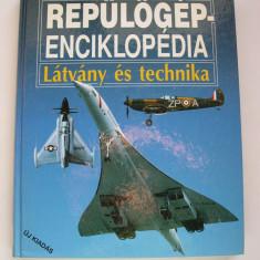 Enciclopedie  de  avioane. Prezinta  1200 modele. Format mare, bogat ilustrata.