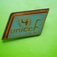 HOPCT RO INSIGNA UNICEF COMITETUL NATIONAL ROMAN -TRICOLOR  -RARA [ 2 ]