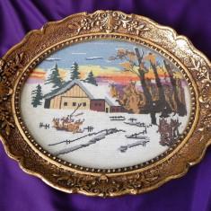 Goblen vechi oval Peisaj de iarna inramat rama deosebita 29x23 cm - Tapiterie Goblen