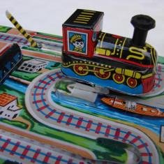 Locomotiva metalica Lucky Toys din perioada comunista - functioneaza perfect - Trenulet, Locomotive