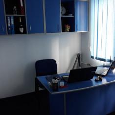Vand mobilier de birou