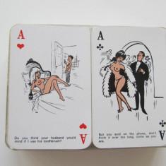 Pachet dublu de carti de joc , umor erotic , 2 x 52 + 2 x 3 jokeri