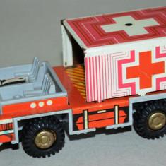 Masinuta veche RDG Filius Ambulanta cu frictiune - Jucarie de colectie