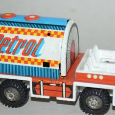 Masinuta veche RDG Filius Cisterna Petrol cu frictiune - Jucarie de colectie