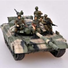 Macheta Tanc T-72BM + 4 soldati - Cecenia 2010 - MODELCOLLECT scara 1:72