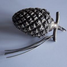 Ornamente de brad din argint