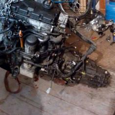 Dezmembrez motor volkswagen vw passat b5.5 2004 1.9 tdi 131 cp audi a4 awx. - Dezmembrari Volkswagen