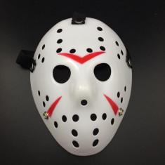 Masca lui Freddy Krueger vs. Jason Vorhees Vineri 13 ,alba, Universal, Alb