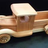 Masina HANDMADE din lemn de cires