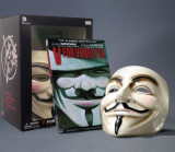 V for Vendetta Deluxe Collector Set [With Mask], Hardcover