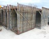 Inchiriez schele constructii  si popi metalici
