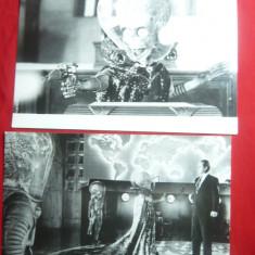 2 Fotografii din Film Atacul Martienilor1996 cu Jack Nicholson ,dim.= 18x12 cm