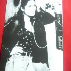 Fotografie cu Actrita Salma Hayek in Filmul Graba strica treaba ,dim.= 12x18 cm