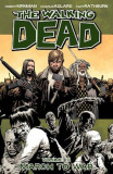 The Walking Dead Volume 19: March to War, Paperback