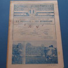 Program meci fotbal PETROLUL PLOIESTI - JIUL PETROSANI (01.11.1983)