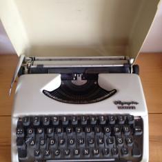 Masina de scris olympia Splendid 33