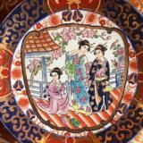 Platou portelan oriental vechi realizat in relief cu air și culori deosebite stil Satsuma